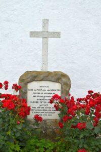 Grav på Soderup kirkegård, du Plat gravsted