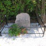 Grave og mindesten på Arnkil, krigergrav med 4 danske