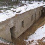 """Sikringsstilling Nord. Arild ferieby, bunkeren i Arrild Ferieby """"Elfriede""""."""