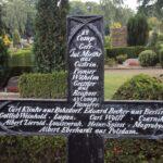 Grave og mindesten på Broager Kirkegård, fællesgraven med Karl Klinke
