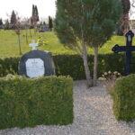 Grave og minder i Kirke Hørup