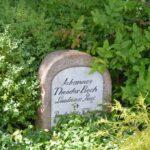 Grave og mindesten i Haddeby, Løjtnant Beck