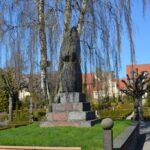 Grave og mindesten på Michaelis kirkegård, krigergrav for 40 danske soldater