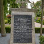 Grave og mindesten på Nybøl kirkegård, mindesmærke for 70 faldne preussere i felttoget