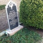 Grave og mindesten på Varnæs kirkegård, Rasmus Linde